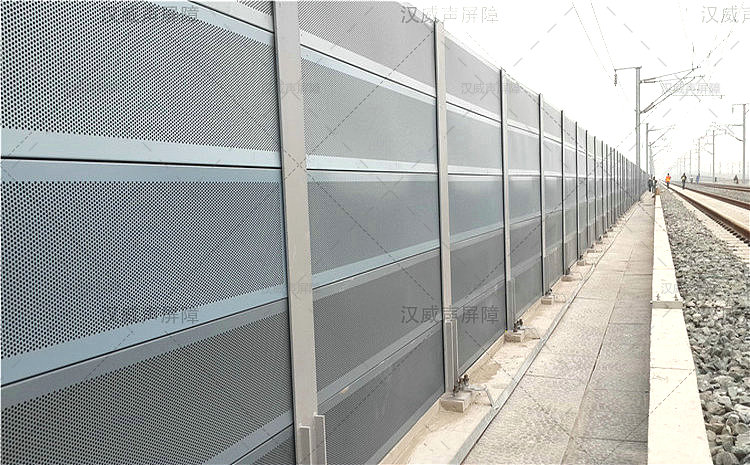 湖北宜昌火车轨道彩钢板隔音网